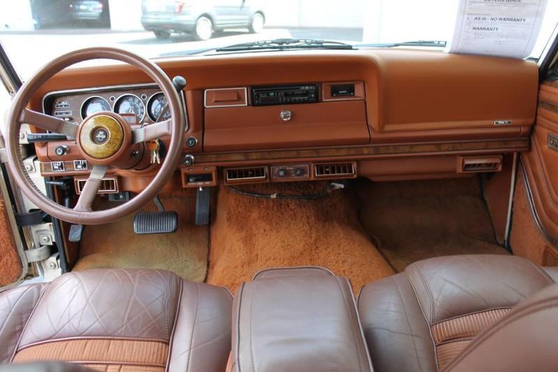 Used-1984-Jeep-Grand-Wagoneer-Limited-4X4-vintage