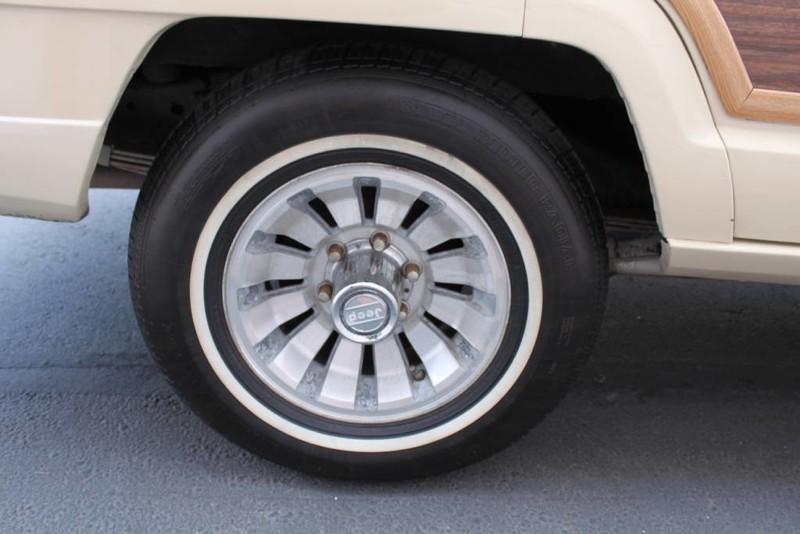 Used-1984-Jeep-Grand-Wagoneer-Limited-4X4-Wagoneer