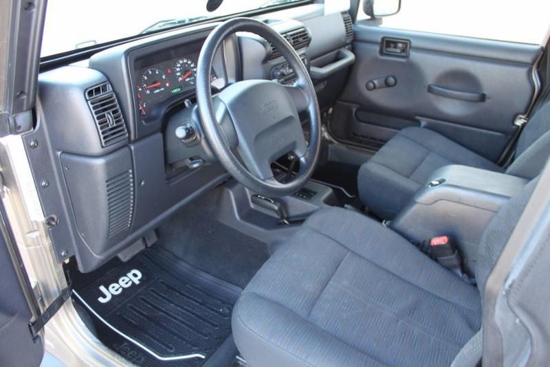 Used-2004-Jeep-Wrangler-Sport-vintage