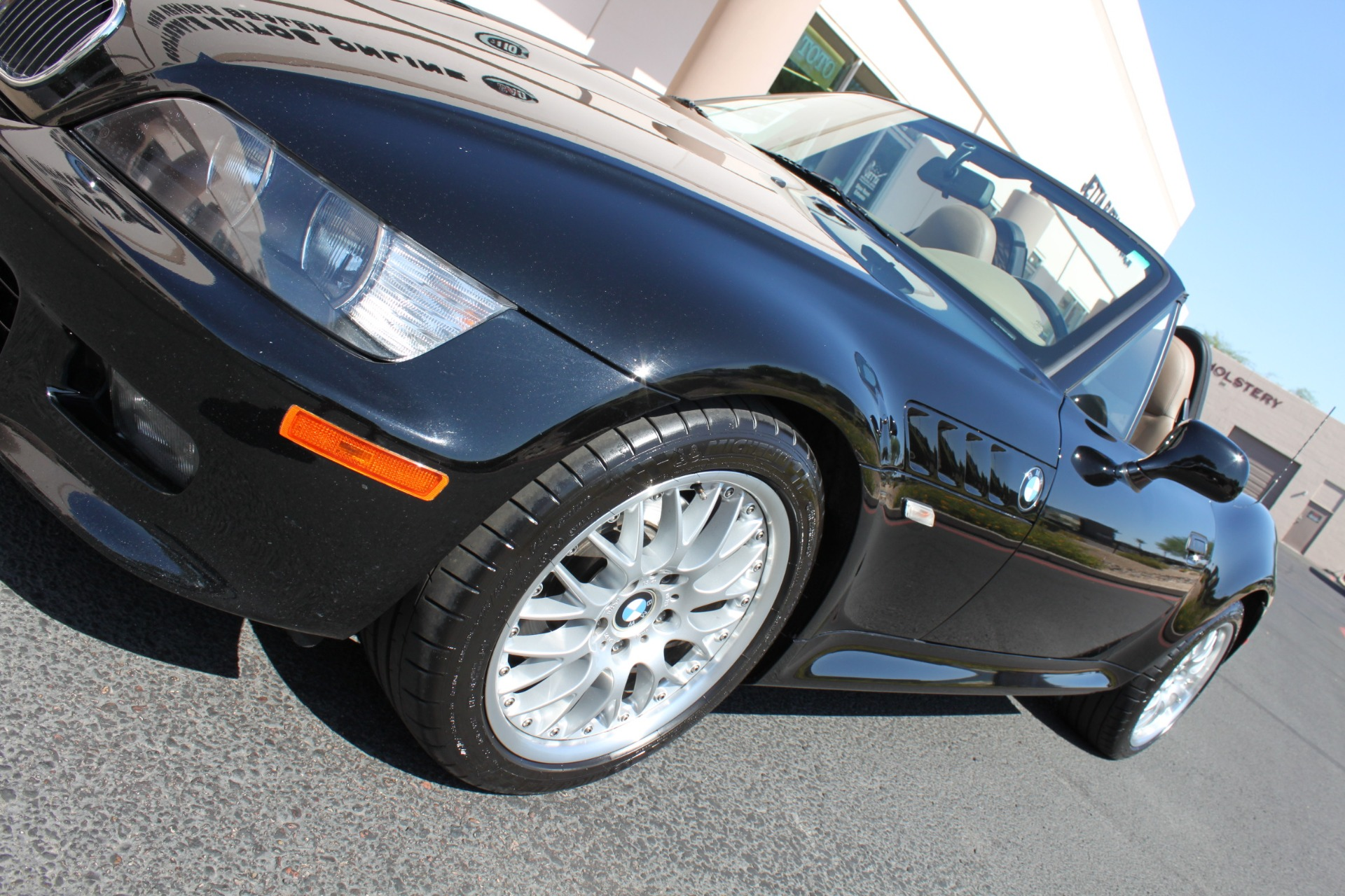Used-2001-BMW-Z3-Roadster-30i-Used-car-deals-Lake-County-IL
