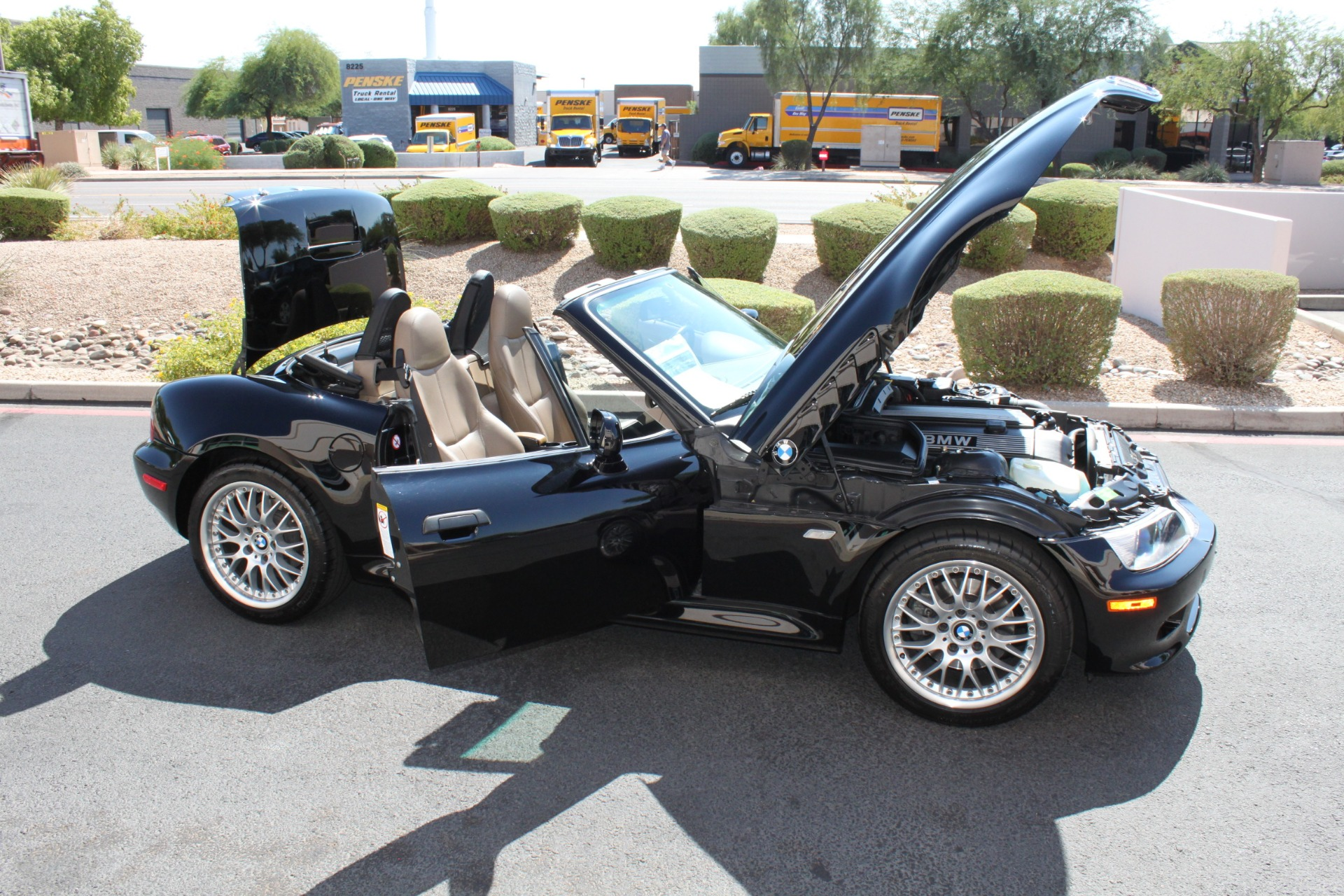 Used-2001-BMW-Z3-Roadster-30i-Ferrari