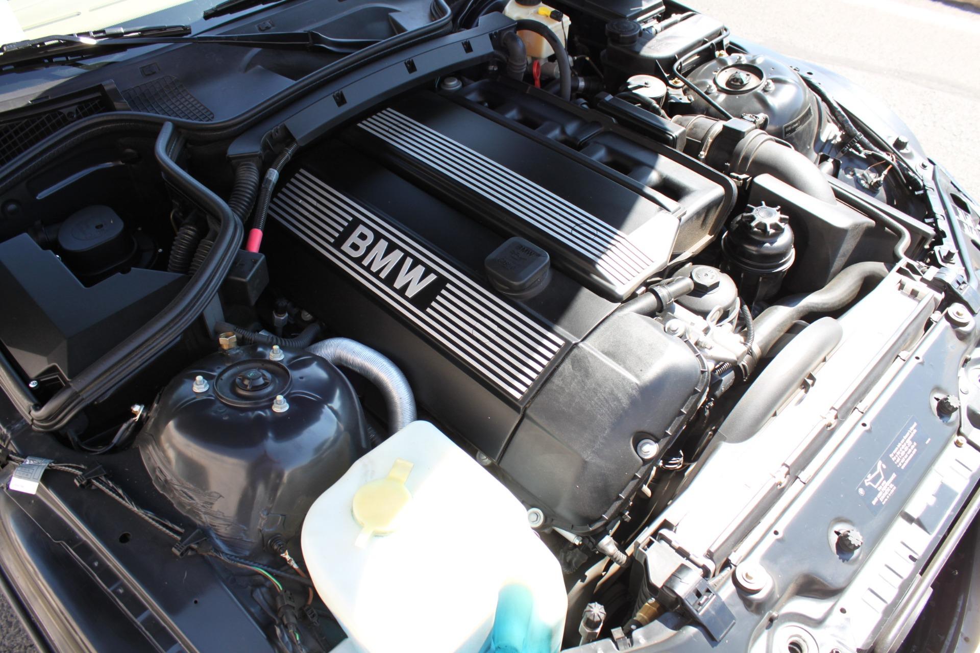 Used-2001-BMW-Z3-30i-Roadster-Mercedes-Benz