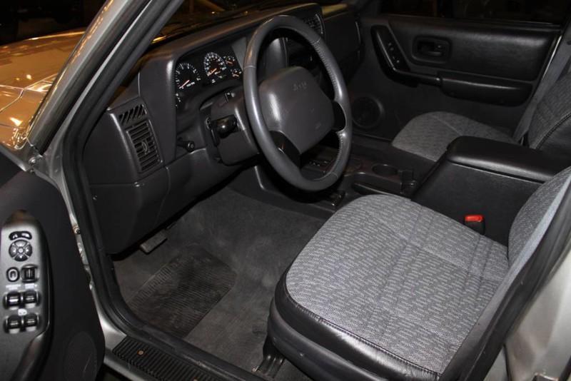 Used-2001-Jeep-Cherokee-Sport-4X4-Mopar