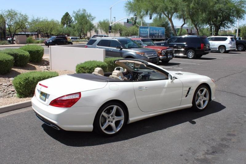 Used-2013-Mercedes-Benz-SL-Class-SL-550-for-sale-in-IL