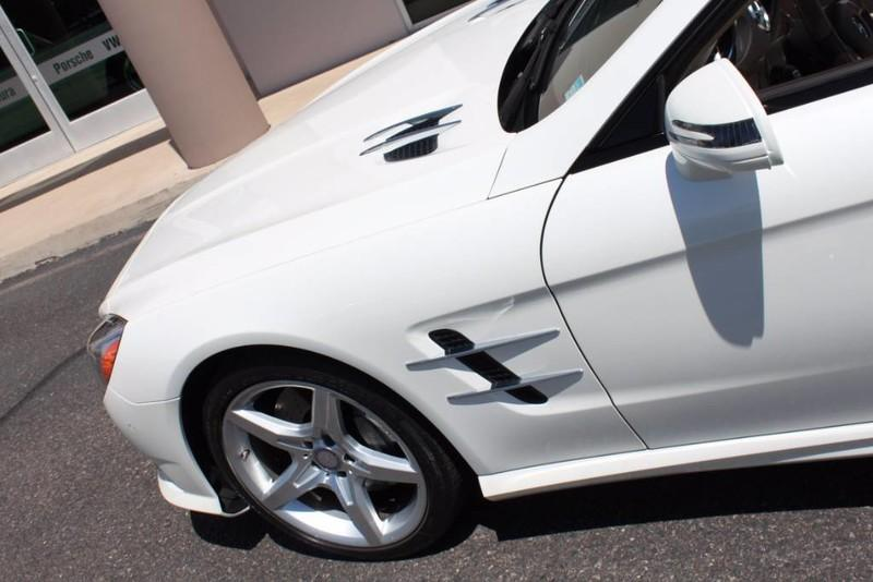 Used-2013-Mercedes-Benz-SL-Class-SL-550-Service-shop-Libertyville