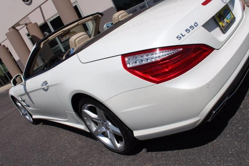 Used-2013-Mercedes-Benz-SL-Class-SL-550-Honda-for-sale-Highland-park
