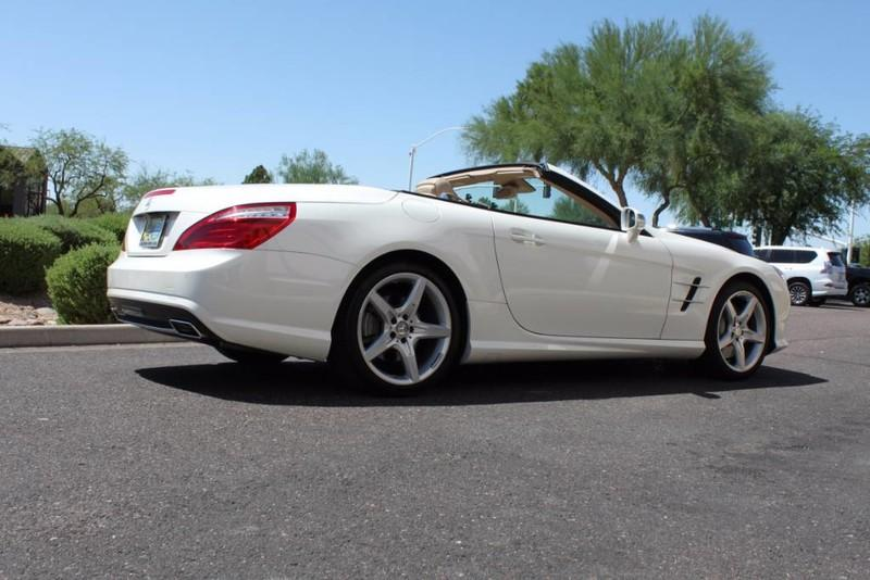 Used-2013-Mercedes-Benz-SL-Class-SL-550-Luxury-Cars-Lake-County