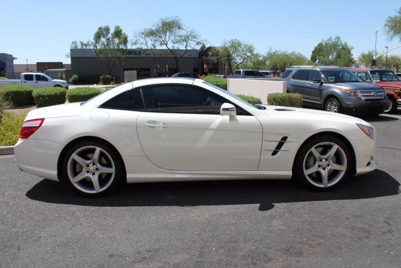 Used-2013-Mercedes-Benz-SL-Class-SL-550-Exotic-Cars-IL