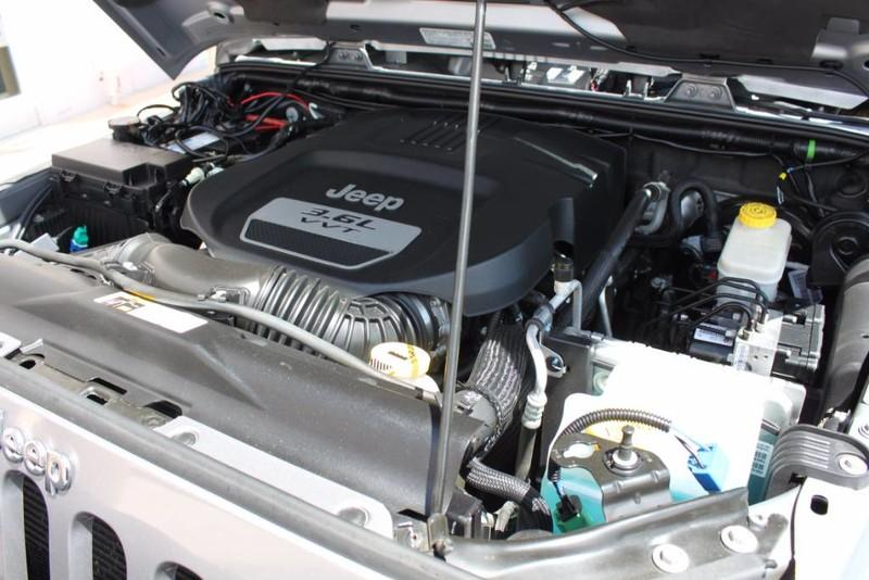 Used-2013-Jeep-Wrangler-Unlimited-Sahara-4X4-Modified-Honda