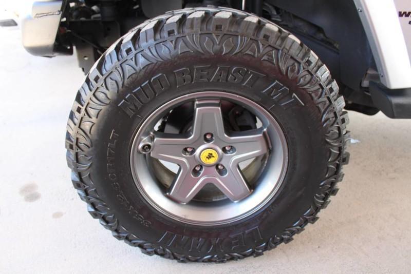 Used-2013-Jeep-Wrangler-Unlimited-Sahara-4X4-Modified-Jaguar