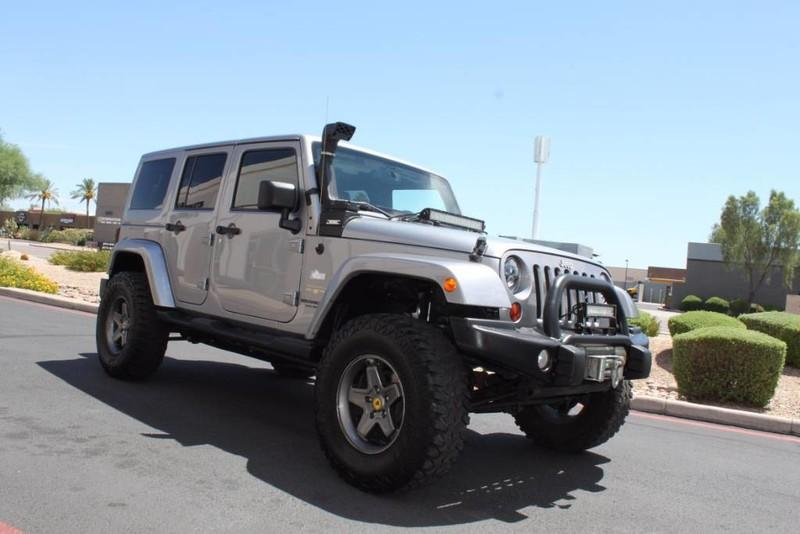 Used-2013-Jeep-Wrangler-Unlimited-Sahara-4X4-Modified-Land-Rover