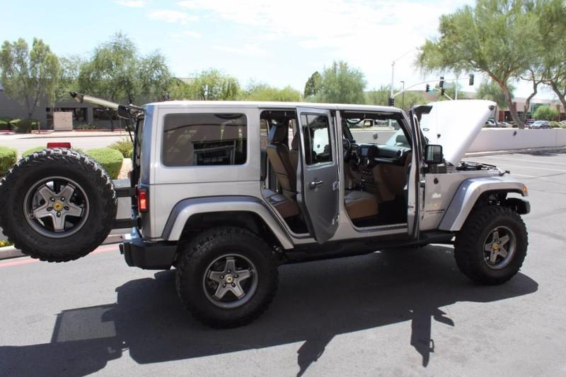 Used-2013-Jeep-Wrangler-Unlimited-Sahara-4X4-Modified-Jeep