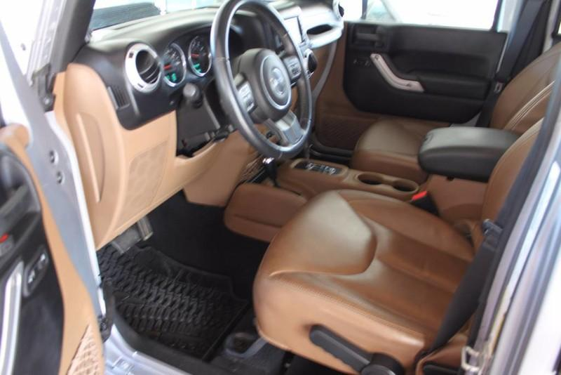 Used-2013-Jeep-Wrangler-Unlimited-Sahara-4X4-Modified-vintage
