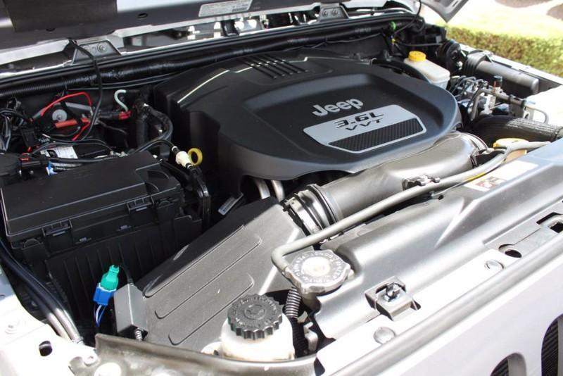 Used-2013-Jeep-Wrangler-Unlimited-Sahara-4X4-Modified-Alfa-Romeo