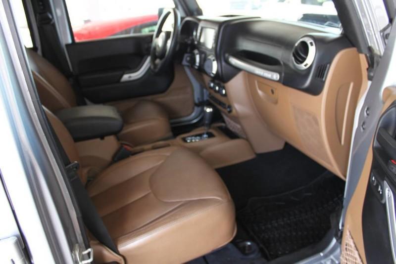 Used-2013-Jeep-Wrangler-Unlimited-Sahara-4X4-Modified-Chrysler