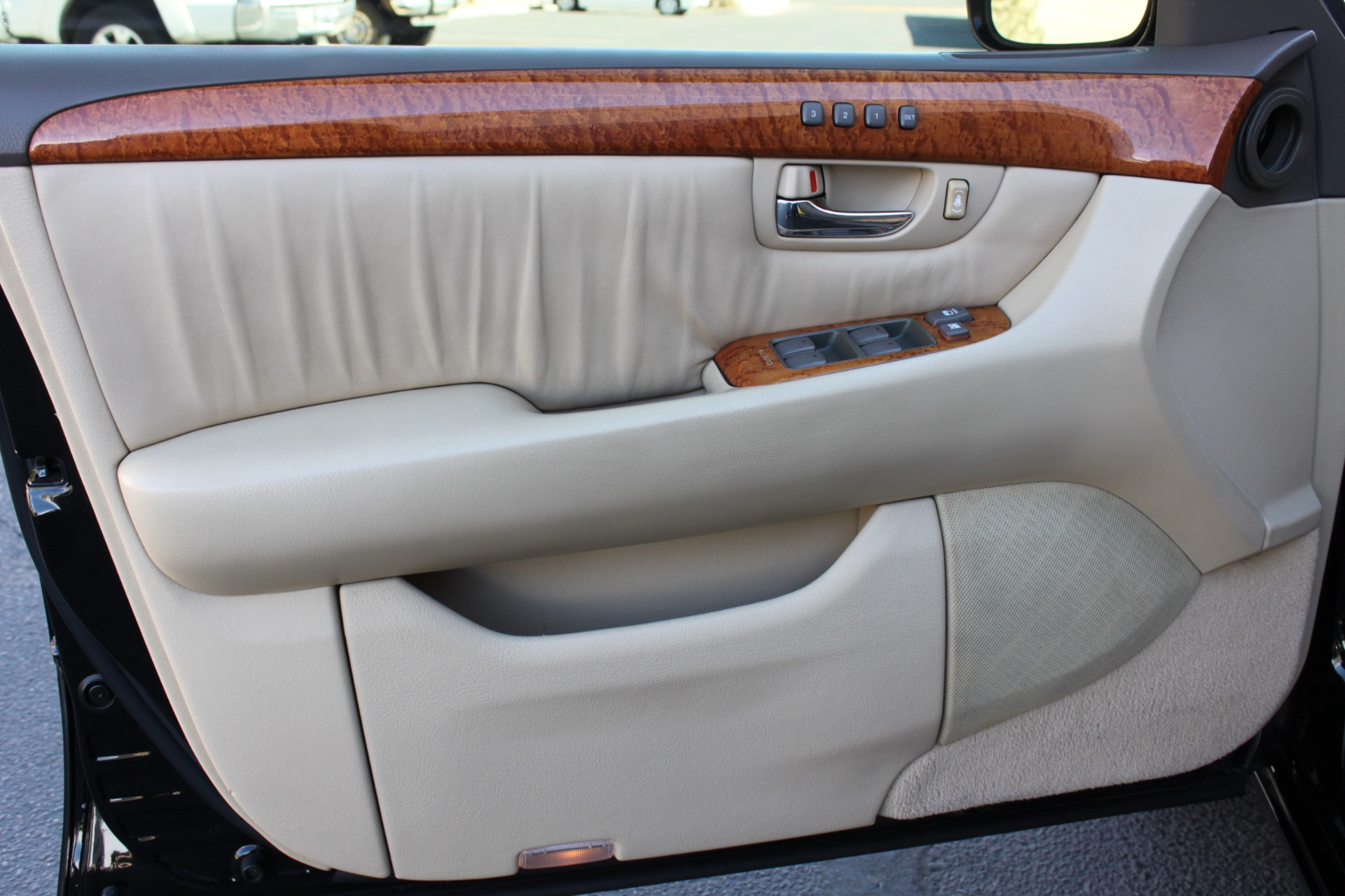 Used-2005-Lexus-LS-430-Ford