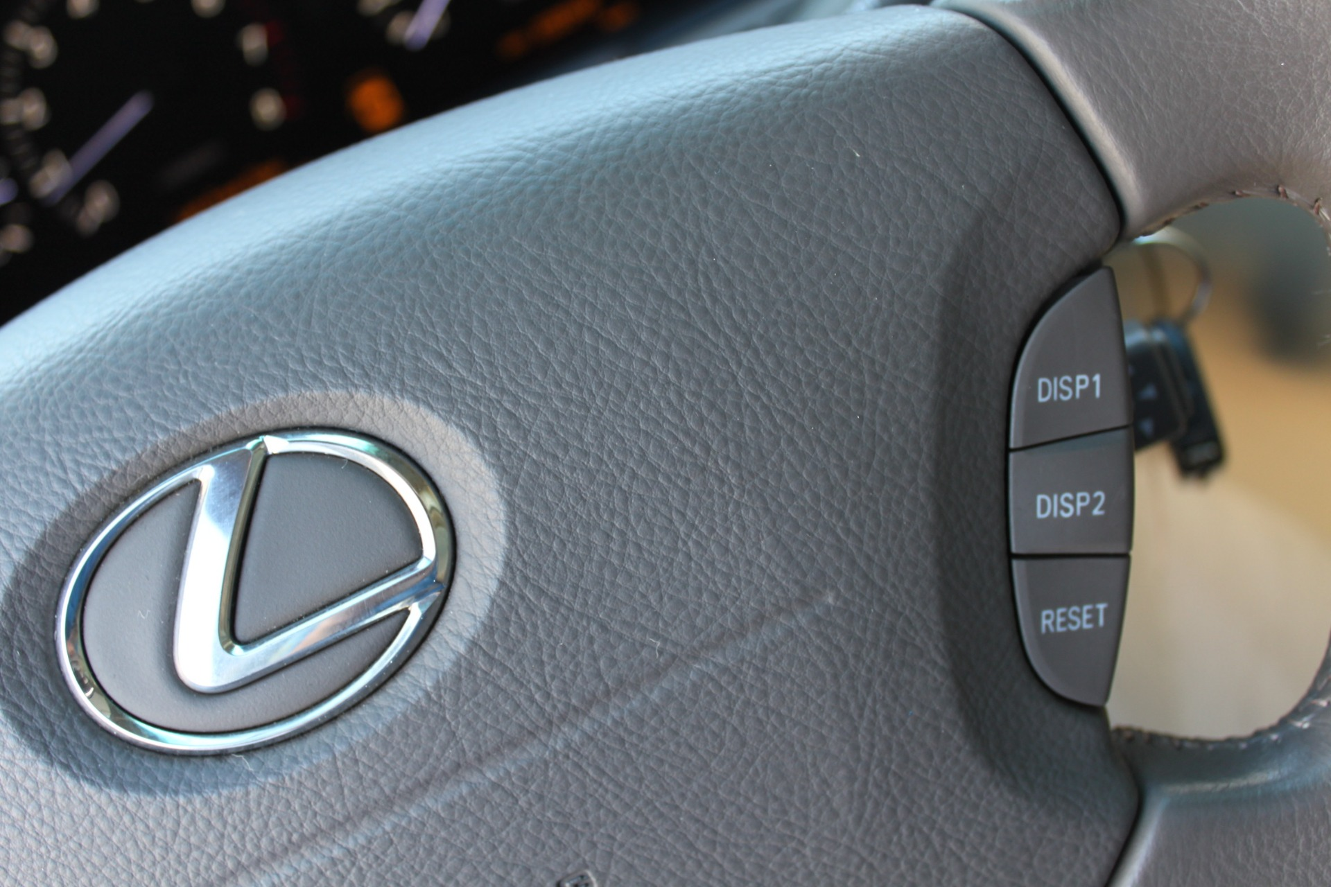 Used-2005-Lexus-LS-430-Land-Rover
