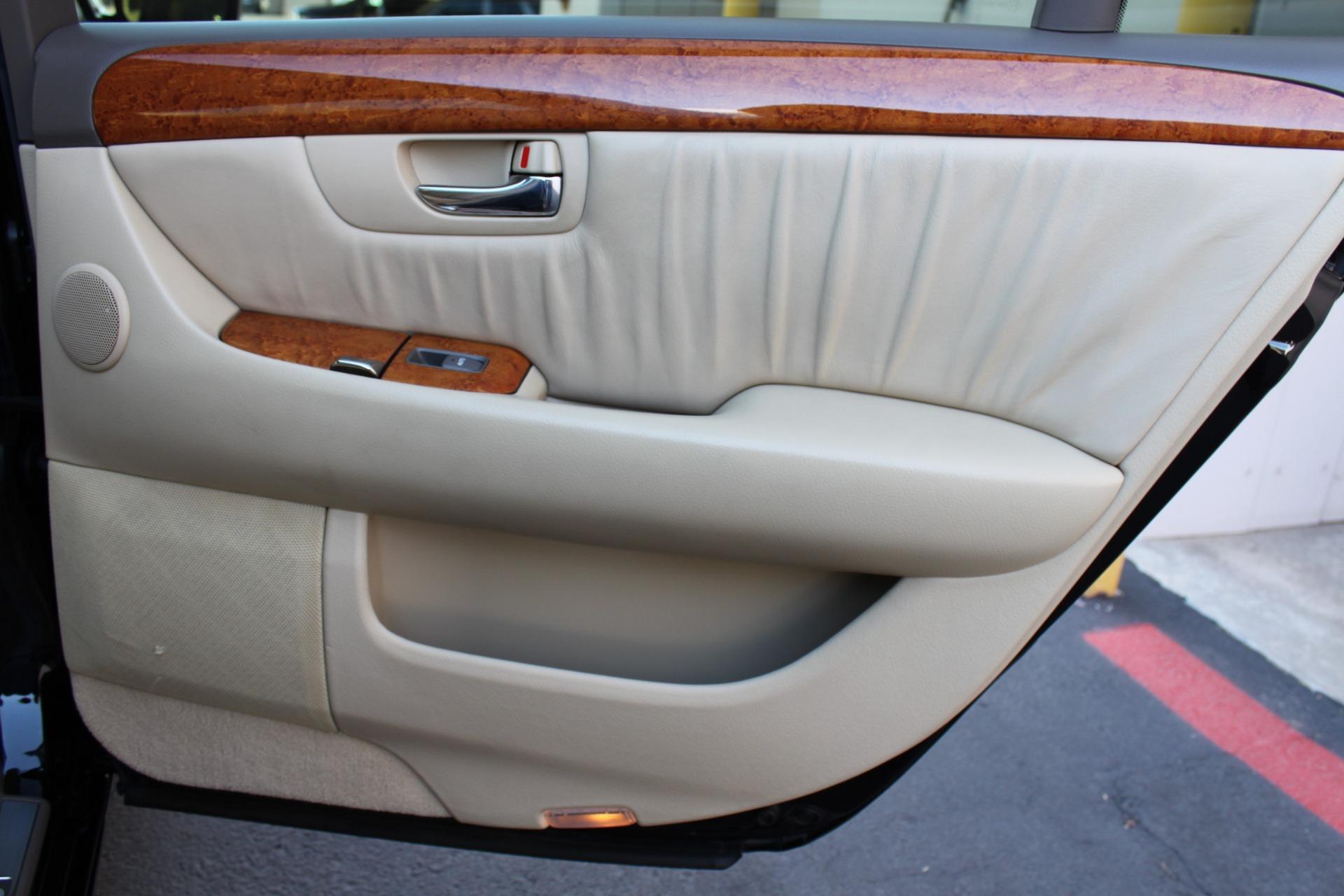 Used-2005-Lexus-LS-430-Audi