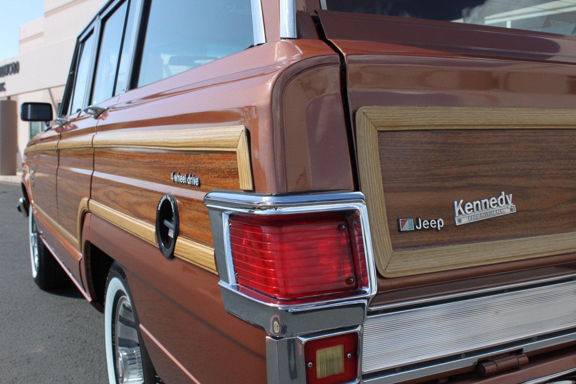 Used-1982-Jeep-Wagoneer-Limited-4WD-Fiat