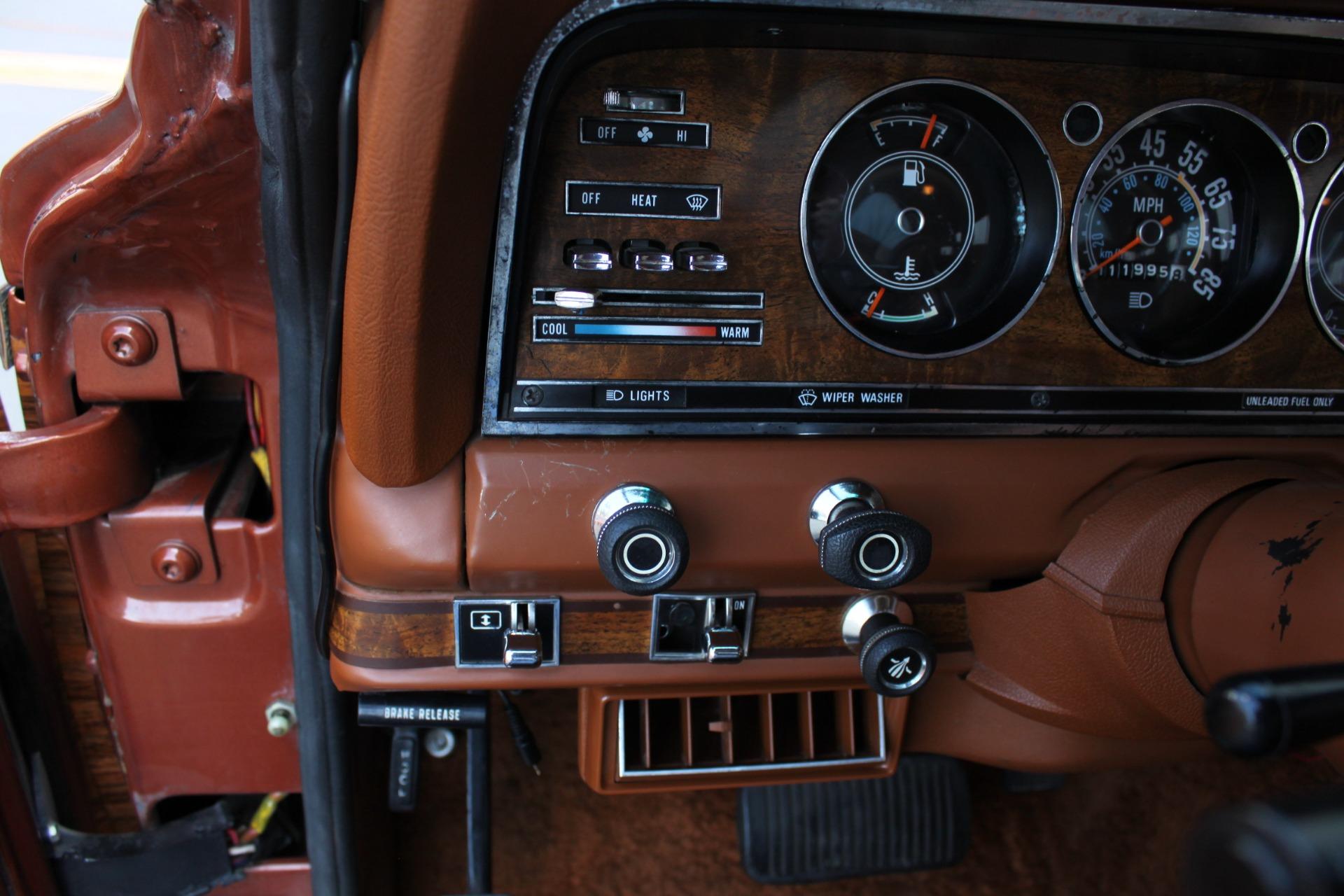 Used-1982-Jeep-Wagoneer-Limited-4WD-Mopar