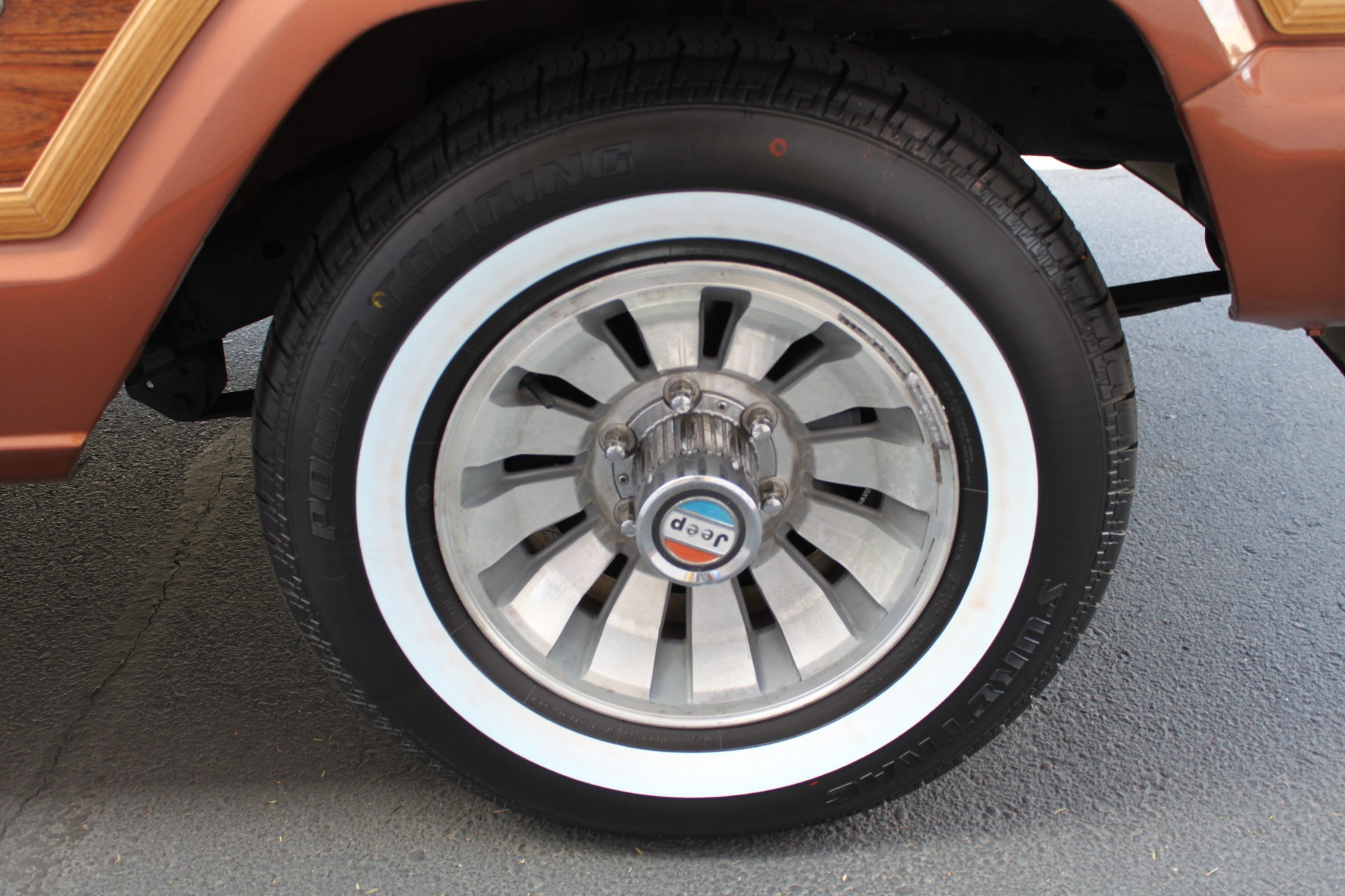 Used-1982-Jeep-Wagoneer-Limited-4WD-Alfa-Romeo