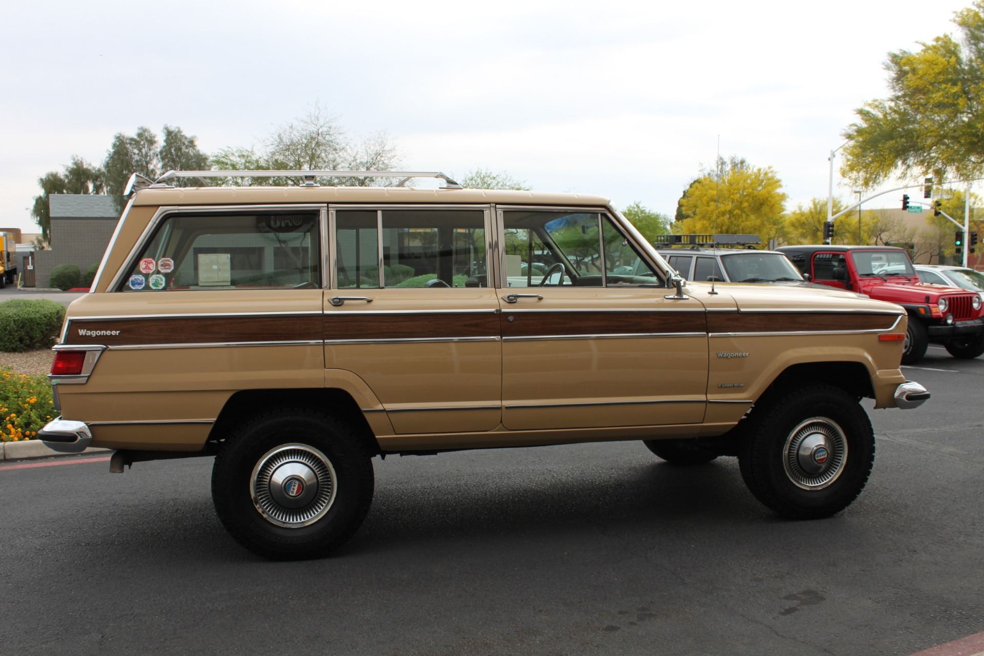 Used-1977-Jeep-Wagoneer-Brougham-4X4-Mercedes-Benz