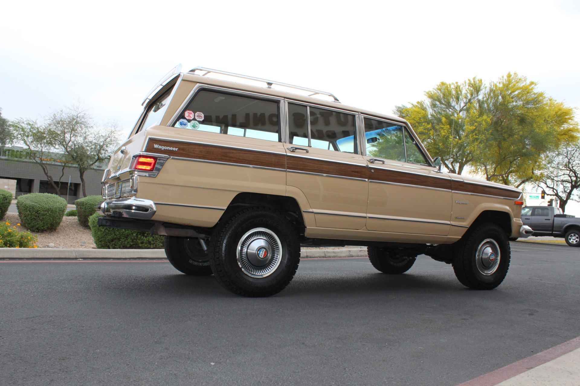 Used-1977-Jeep-Wagoneer-Brougham-Chalenger