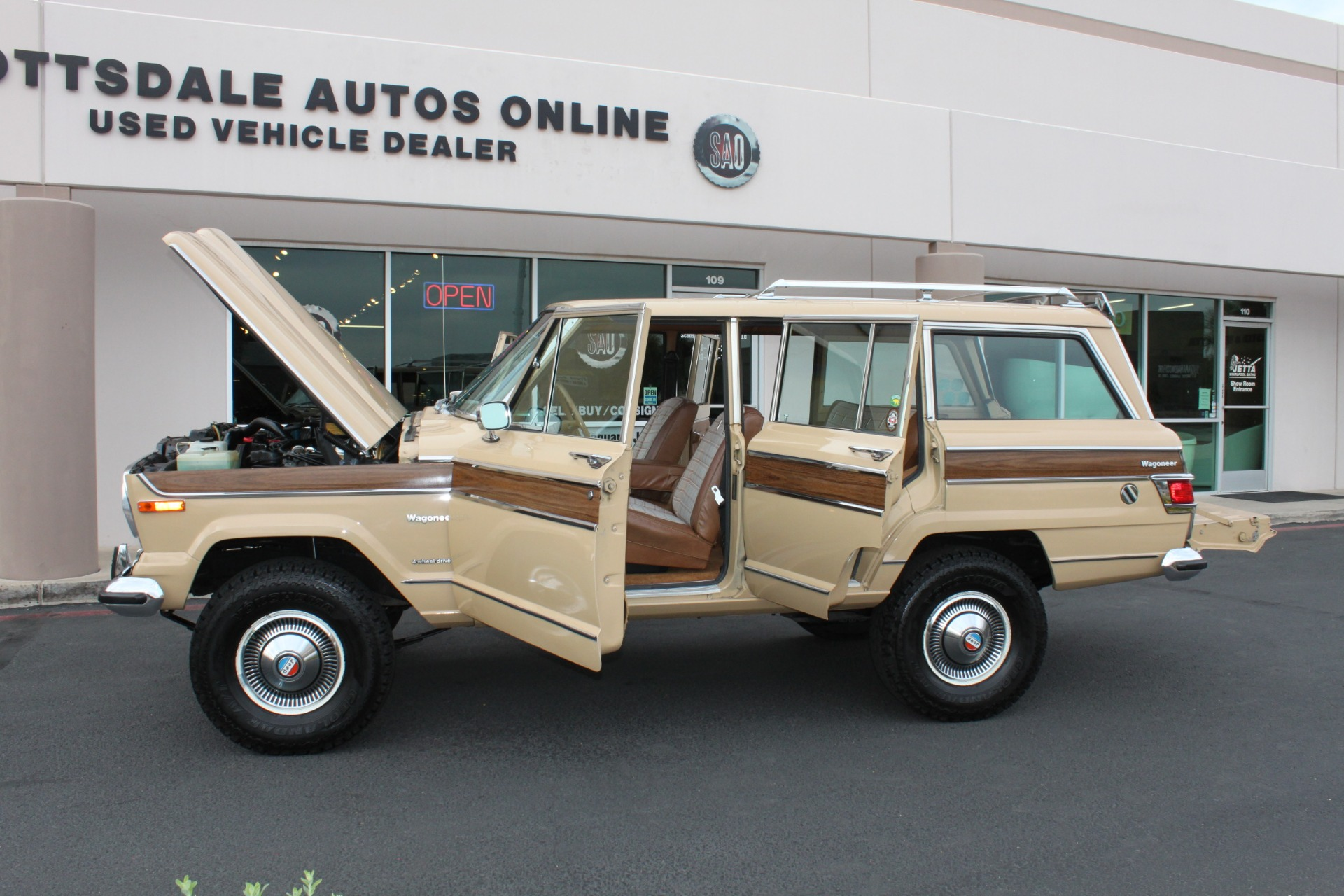 Used-1977-Jeep-Wagoneer-Brougham-4X4-Chevelle