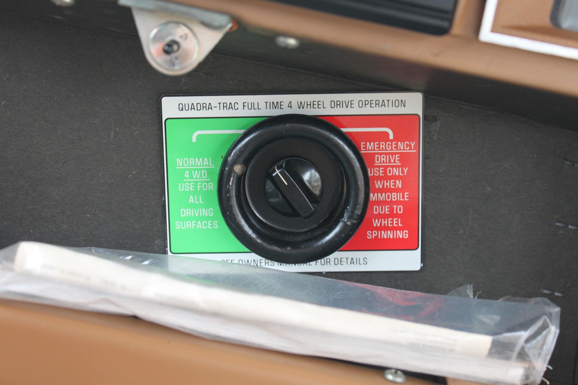 Used-1977-Jeep-Wagoneer-Brougham-Classic