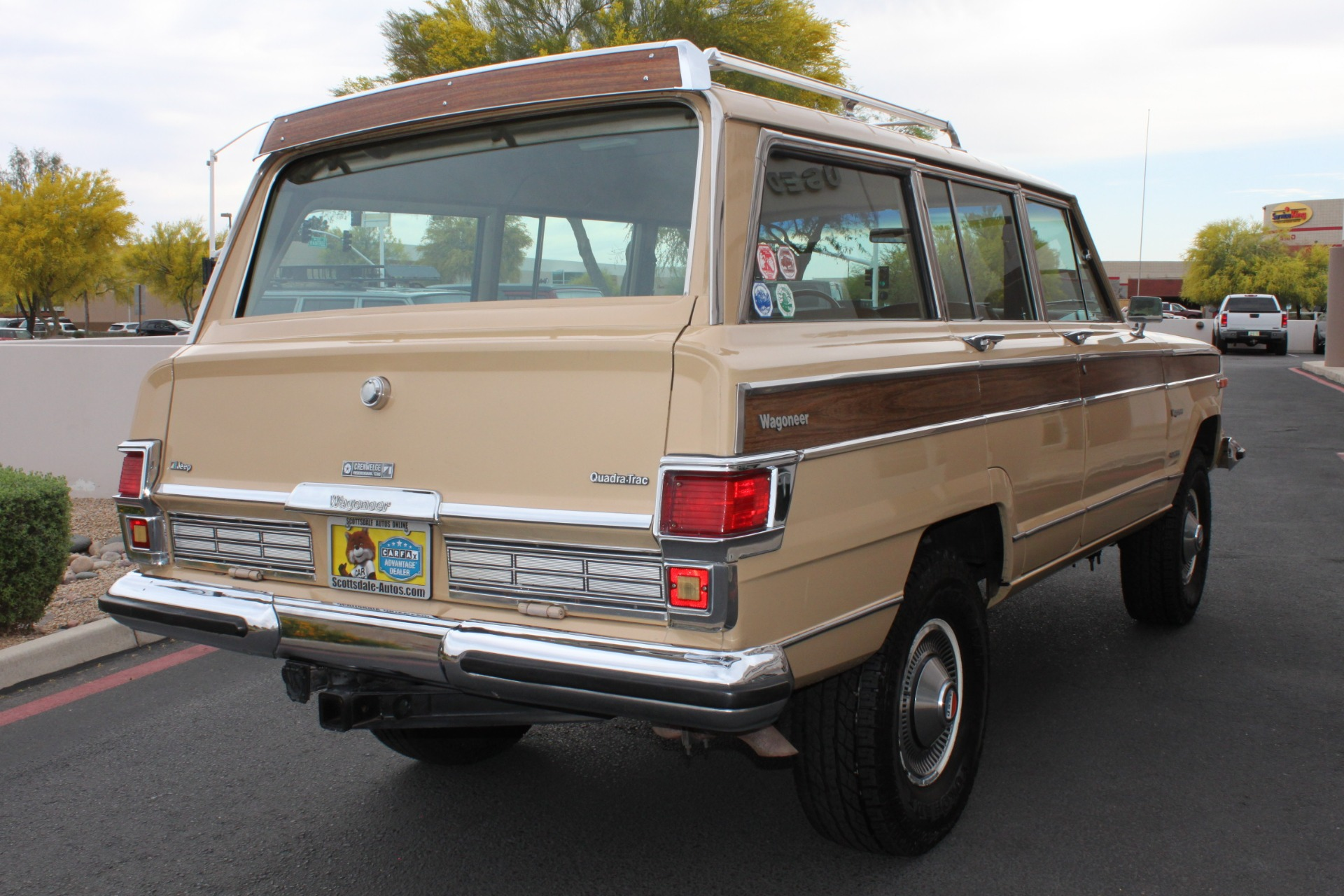 Used-1977-Jeep-Wagoneer-Brougham-4X4-Collector