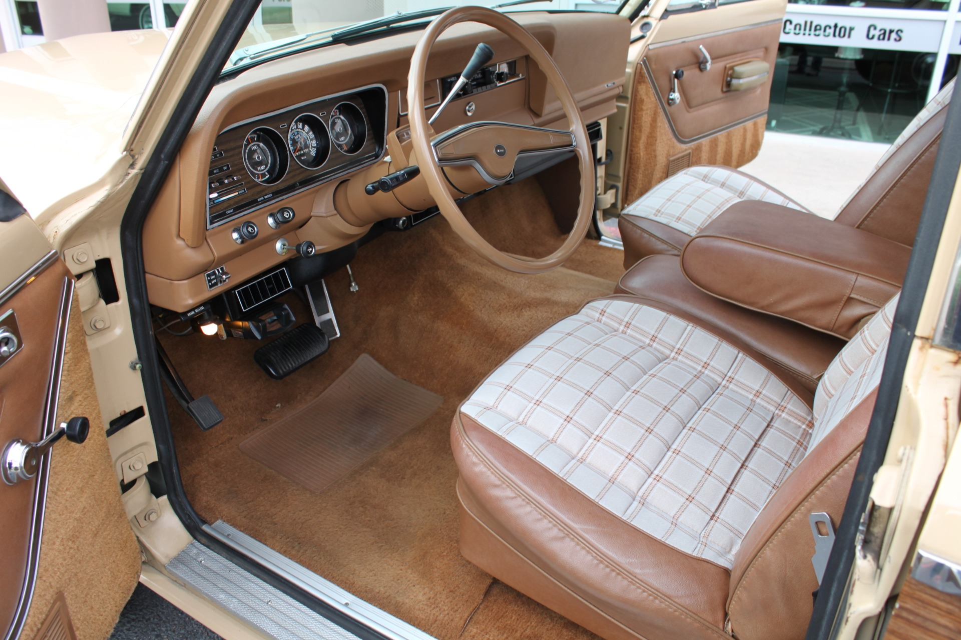 Used-1977-Jeep-Wagoneer-Brougham-Collector