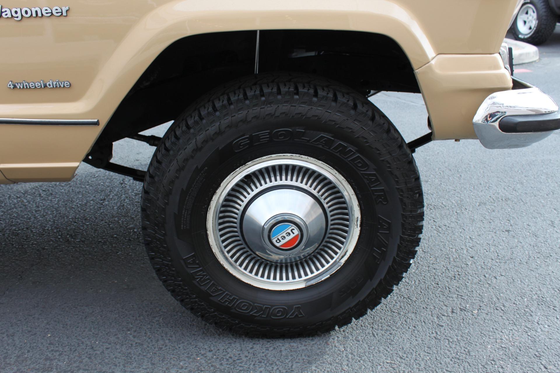 Used-1977-Jeep-Wagoneer-Brougham-LS430