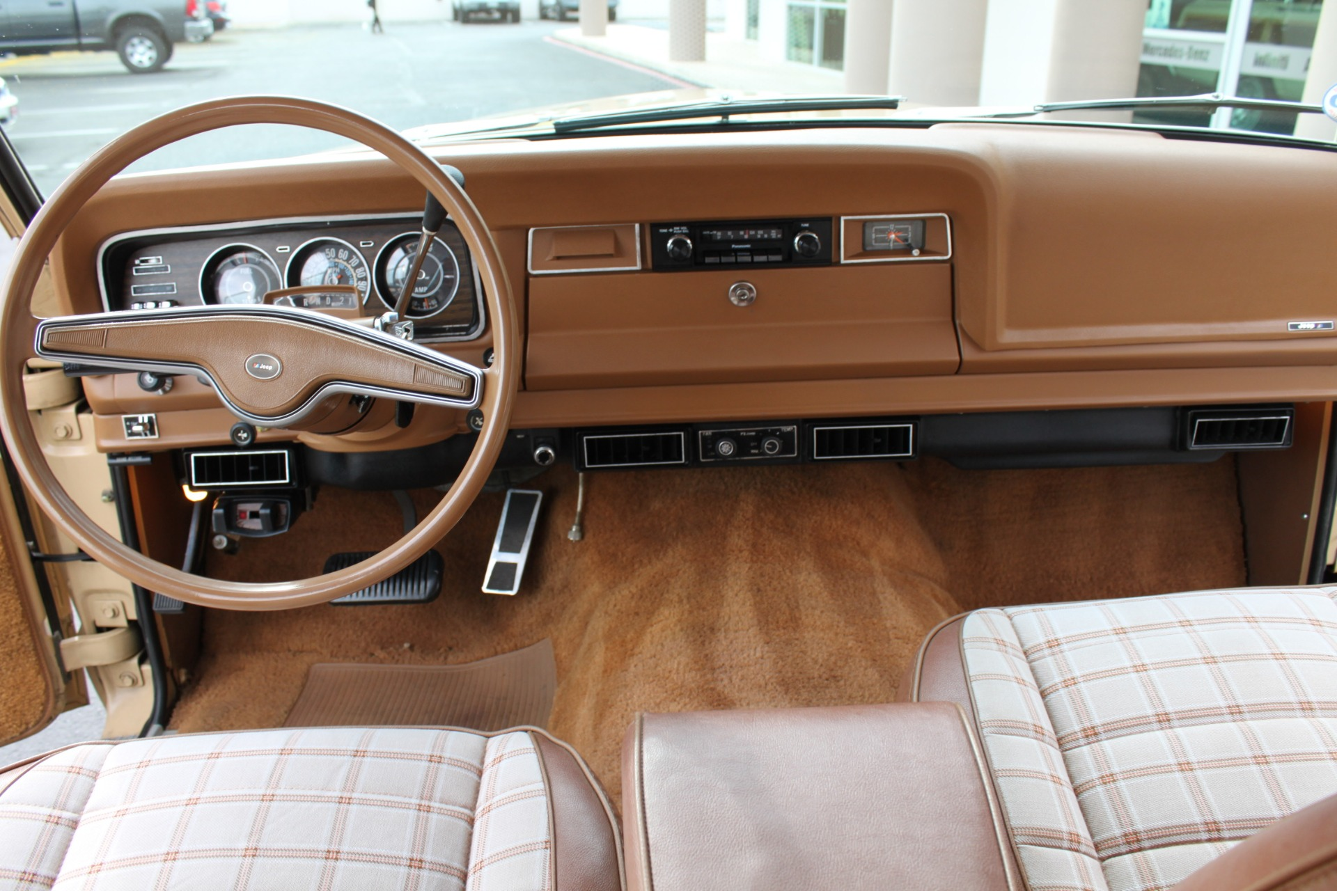 Used-1977-Jeep-Wagoneer-Brougham-vintage