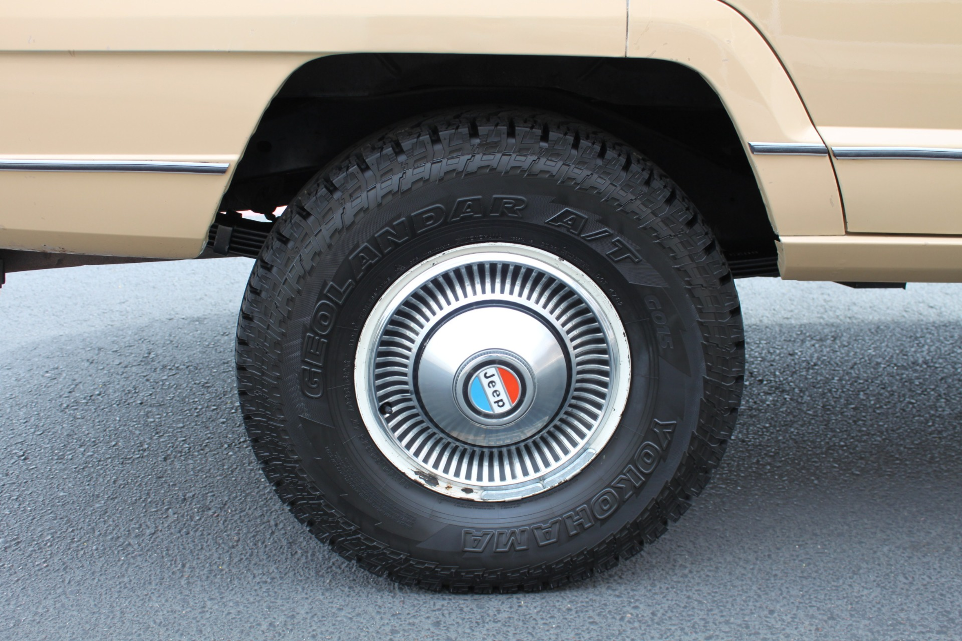 Used-1977-Jeep-Wagoneer-Brougham-Ford