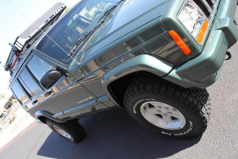 Used-2000-Jeep-Cherokee-Limited-4X4