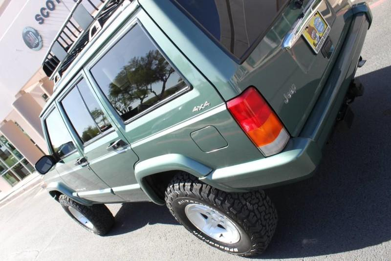 Used-2000-Jeep-Cherokee-Limited-Audi