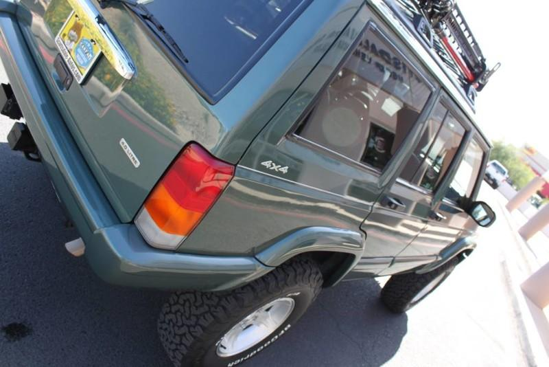 Used-2000-Jeep-Cherokee-Limited-Acura