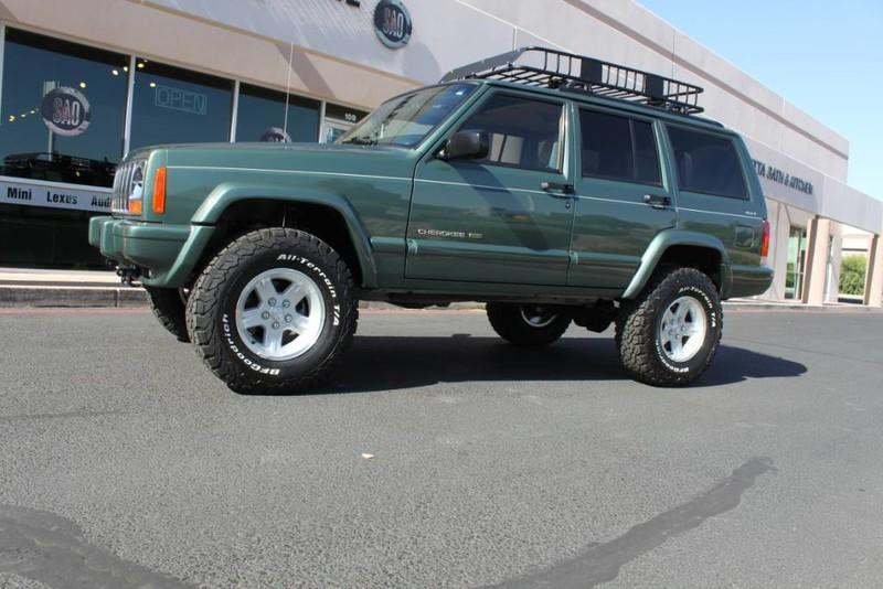 Used-2000-Jeep-Cherokee-Limited-Fiat