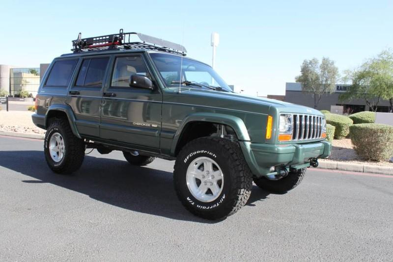 Used-2000-Jeep-Cherokee-Limited-LS400