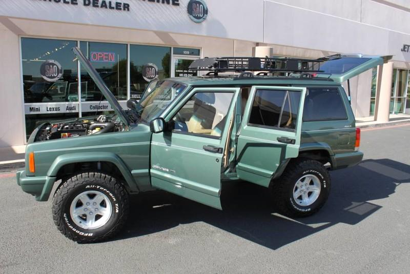 Used-2000-Jeep-Cherokee-Limited-Jaguar