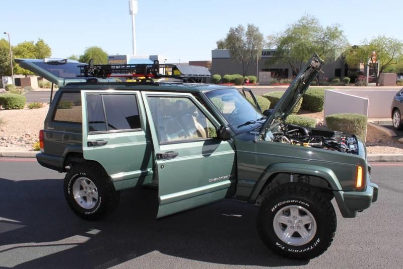 Used-2000-Jeep-Cherokee-Limited-Ferrari