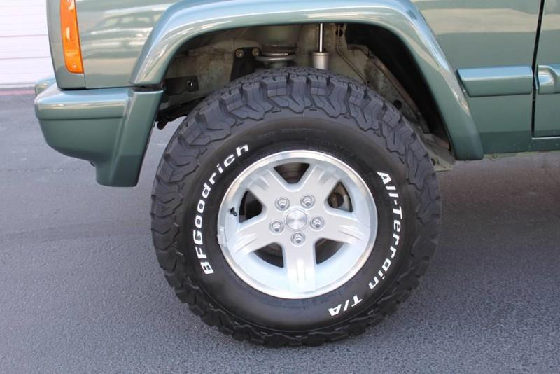 Used-2000-Jeep-Cherokee-Limited-Land-Cruiser