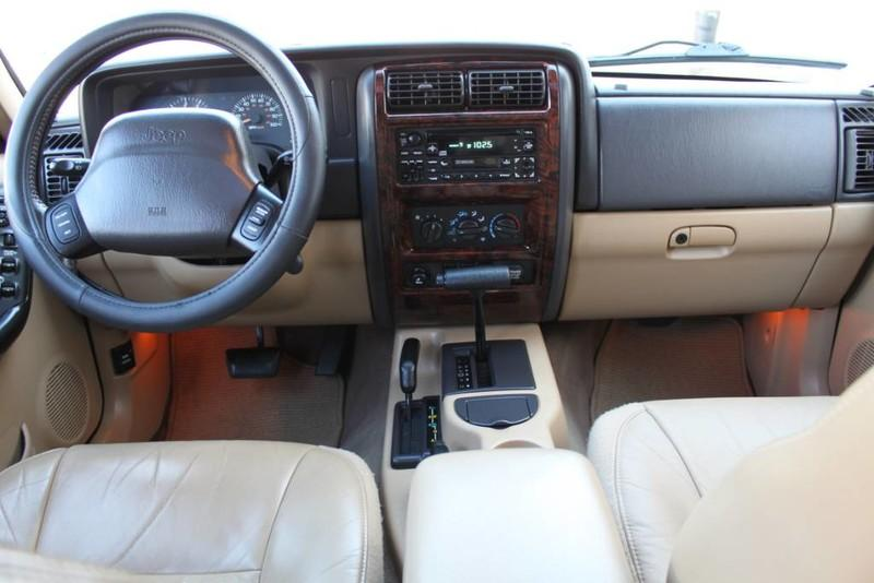 Used-2000-Jeep-Cherokee-Limited-BMW