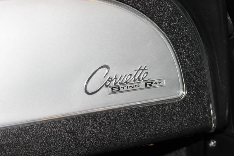 Used-1963-Chevrolet-Corvette-Split-Window-Coupe-Radio-Delete-Fiat