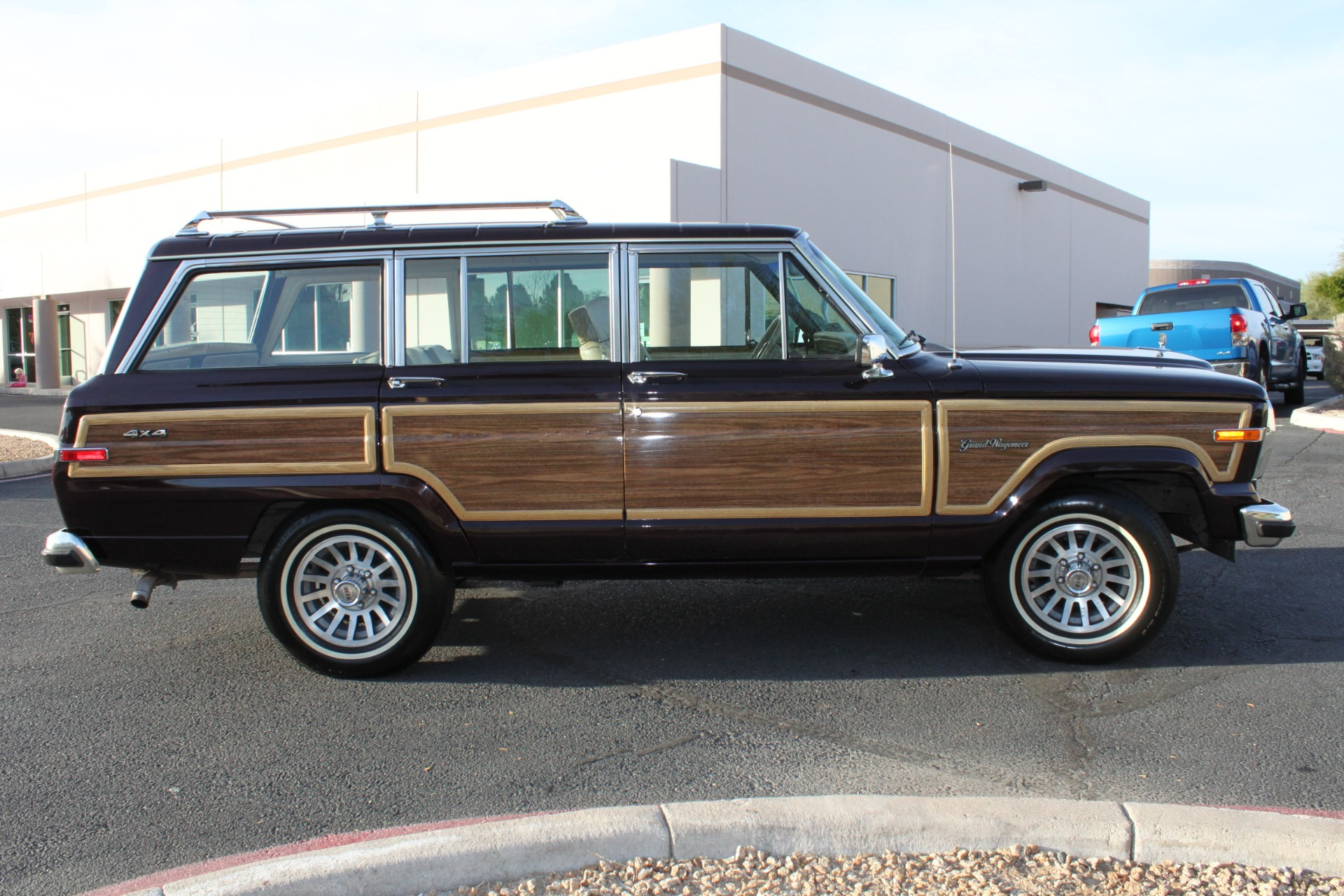 Used-1990-Jeep-Grand-Wagoneer-4X4-Mercedes-Benz