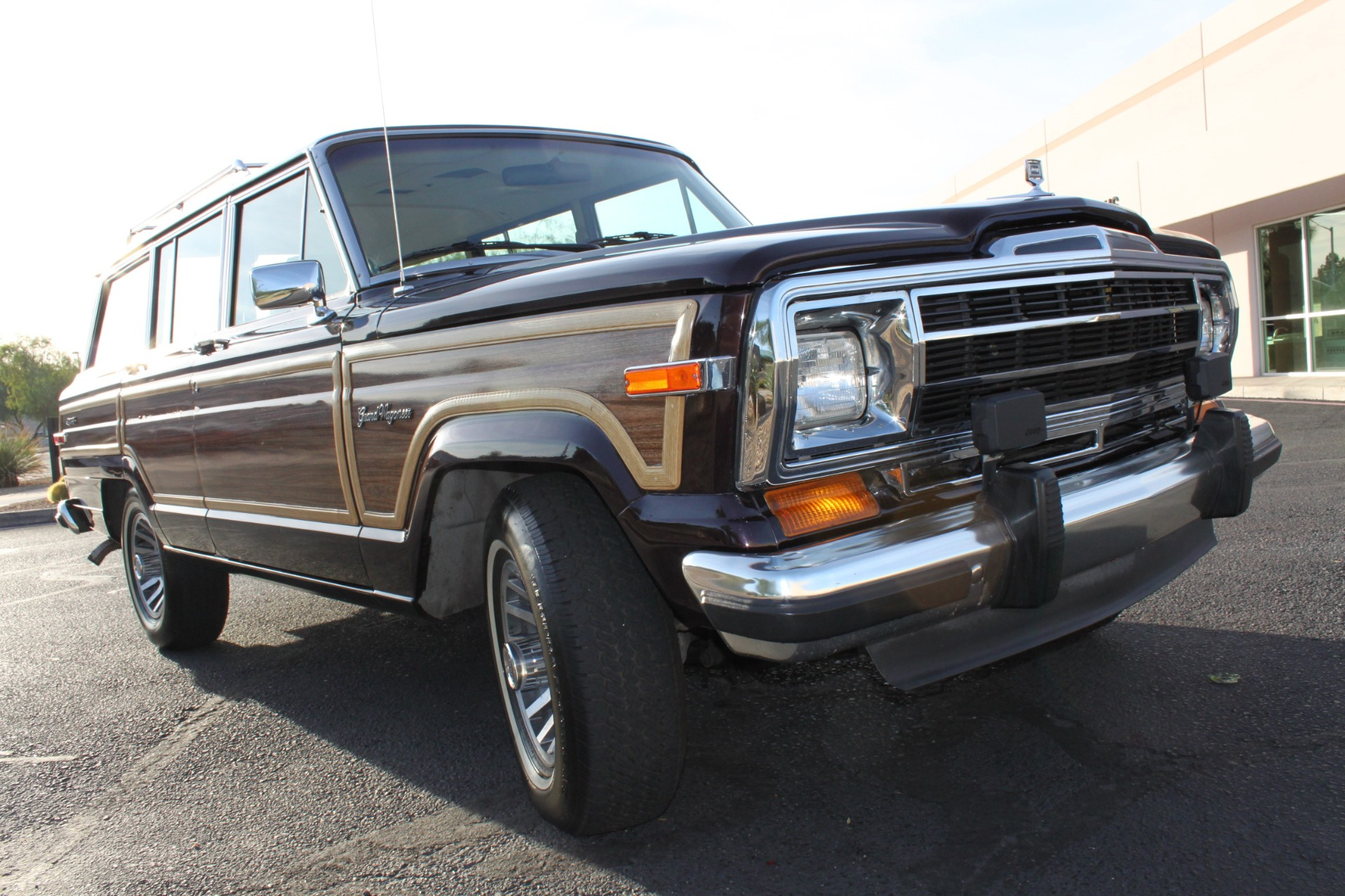Used-1990-Jeep-Grand-Wagoneer-4X4-Cherokee