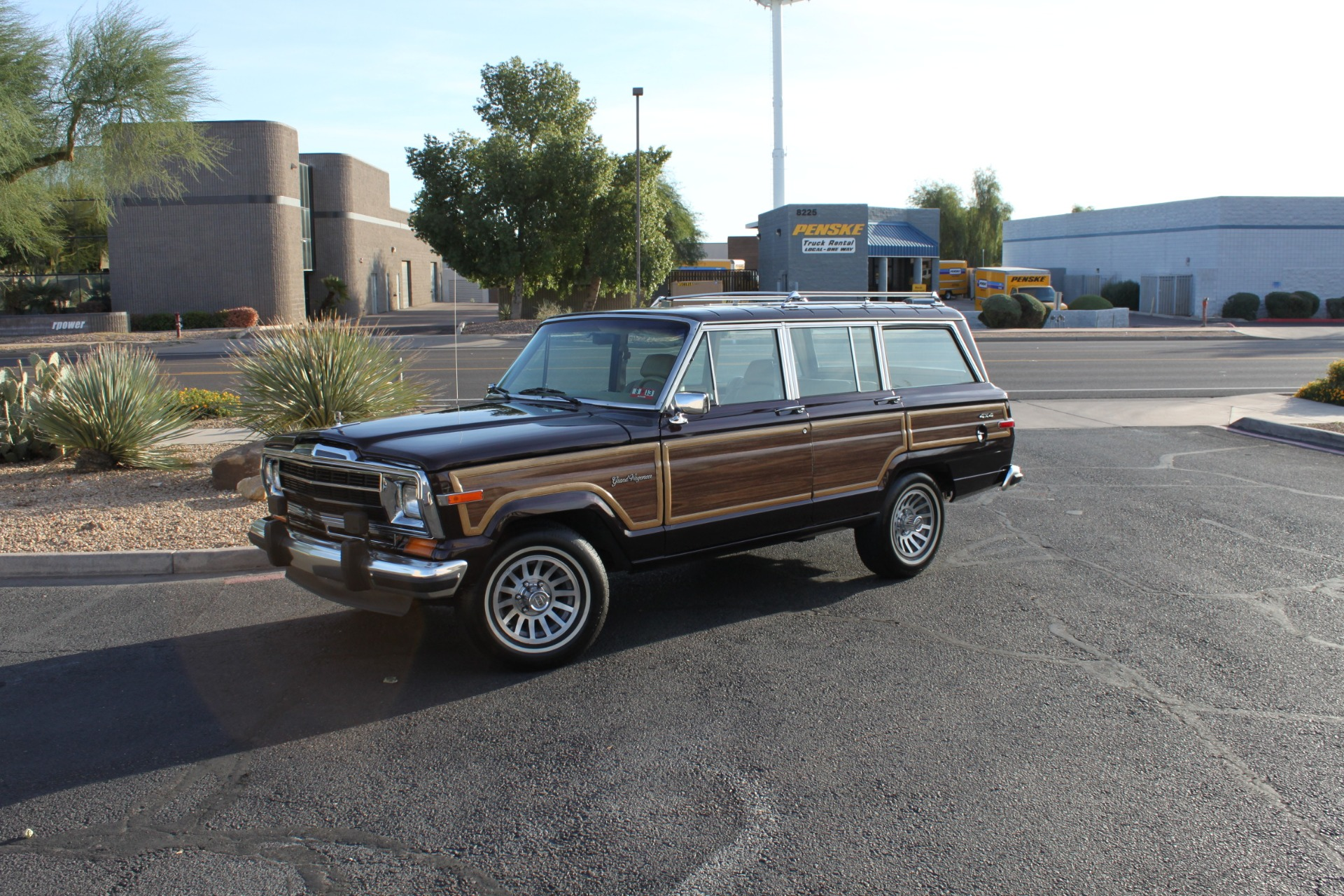 Used-1990-Jeep-Grand-Wagoneer-4X4-Audi