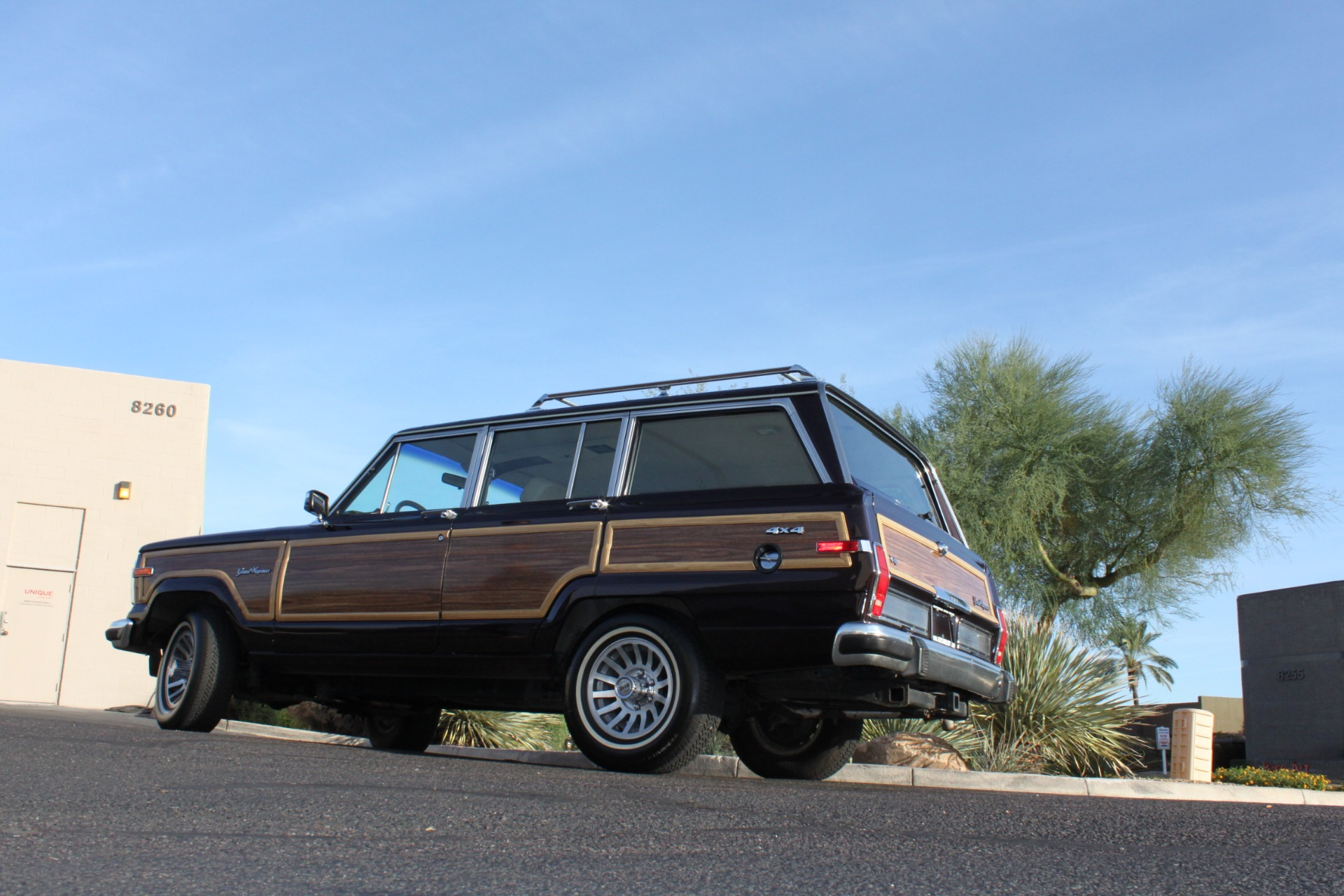 Used-1990-Jeep-Grand-Wagoneer-4X4-Lexus