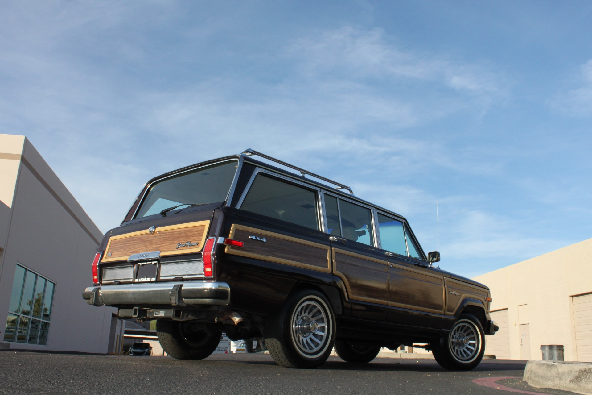 Used-1990-Jeep-Grand-Wagoneer-4X4-Dodge