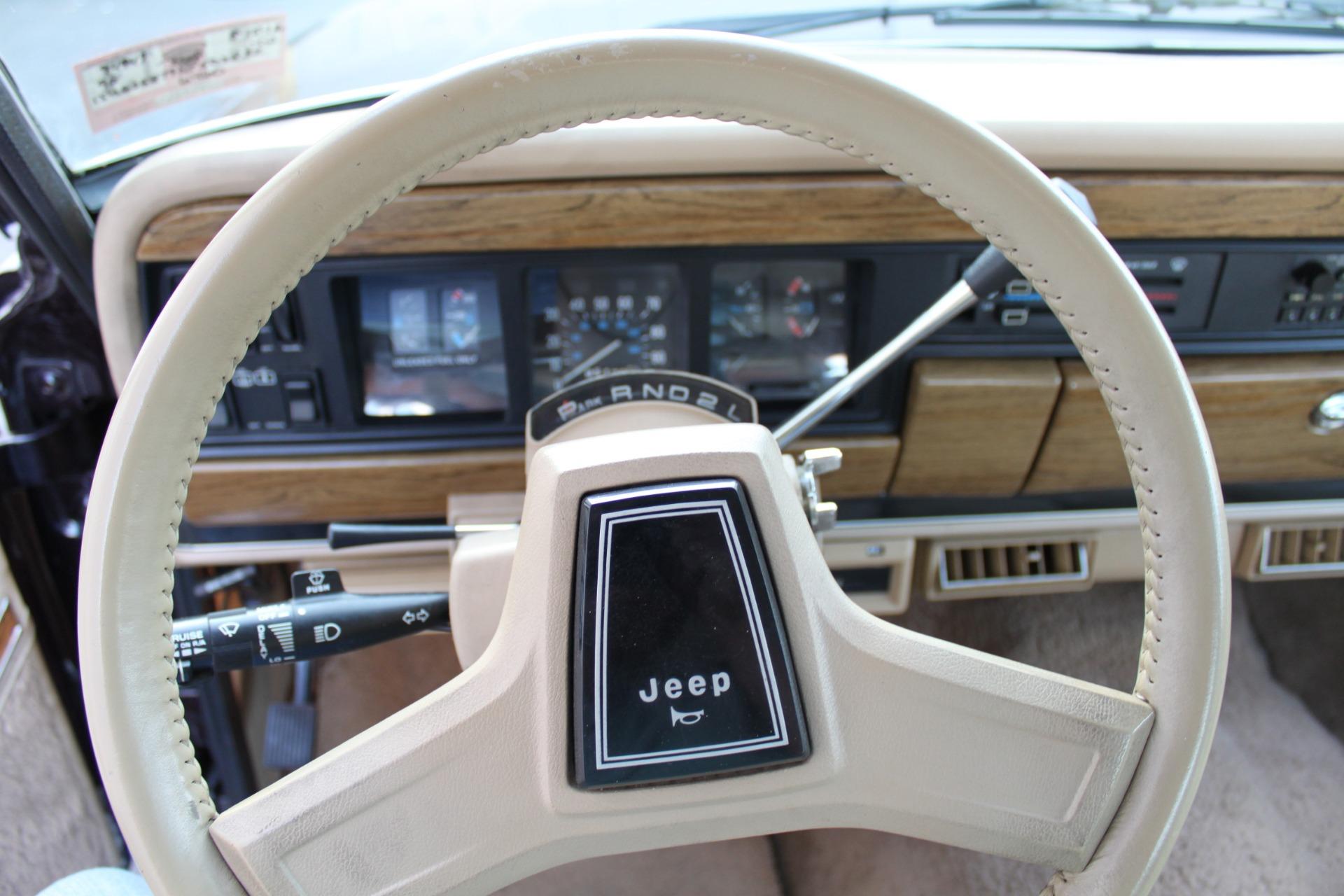 Used-1990-Jeep-Grand-Wagoneer-4X4-Mini
